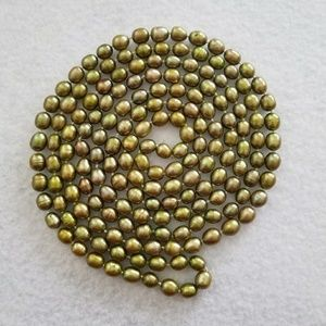 """Jewelry - REAL 60"""" 7mm Green Pearl Strand"""